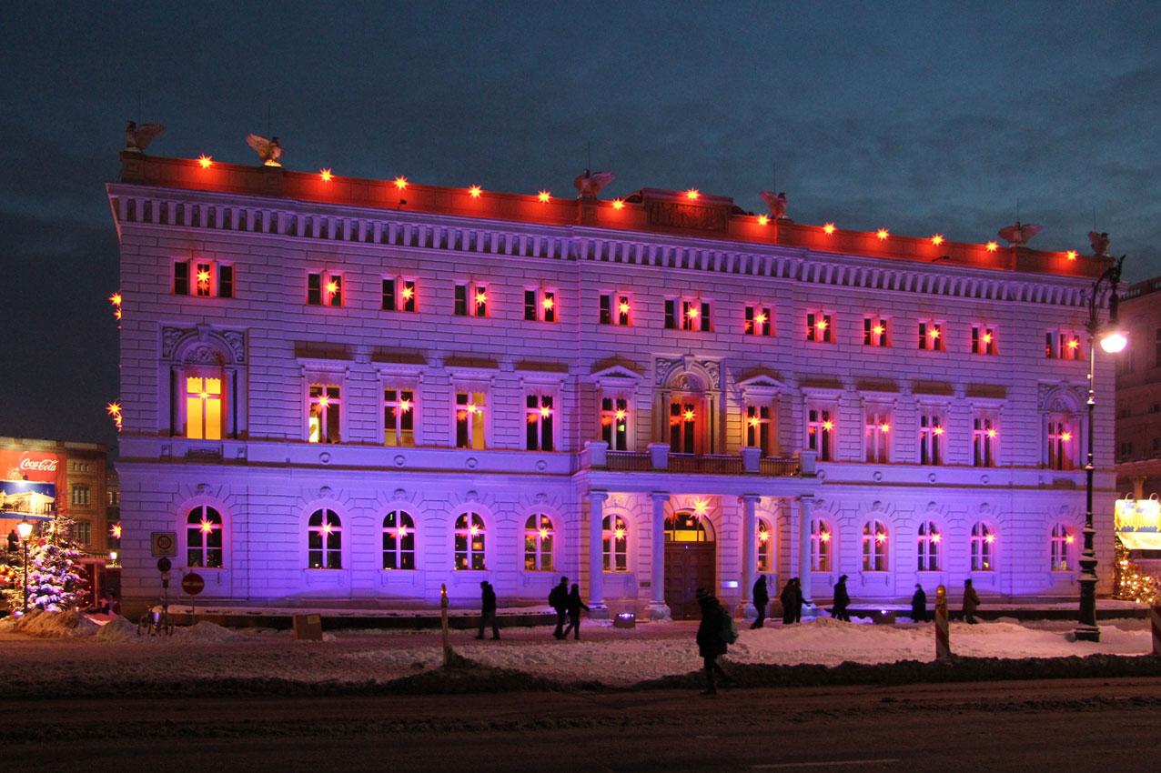 Unter Den Linden Weihnachtsbeleuchtung.Bertelsmann Weihnachtsbeleuchtung Mediapool