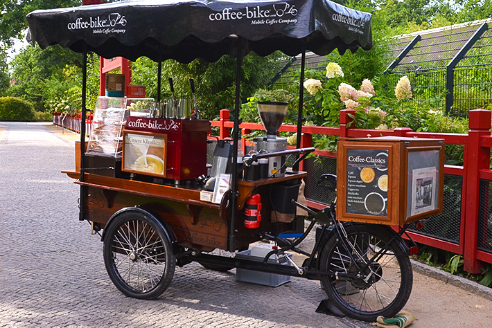 175 Jahre Zoo Berlin: ein Coffee-Bike als mobile Catering-Lösung.