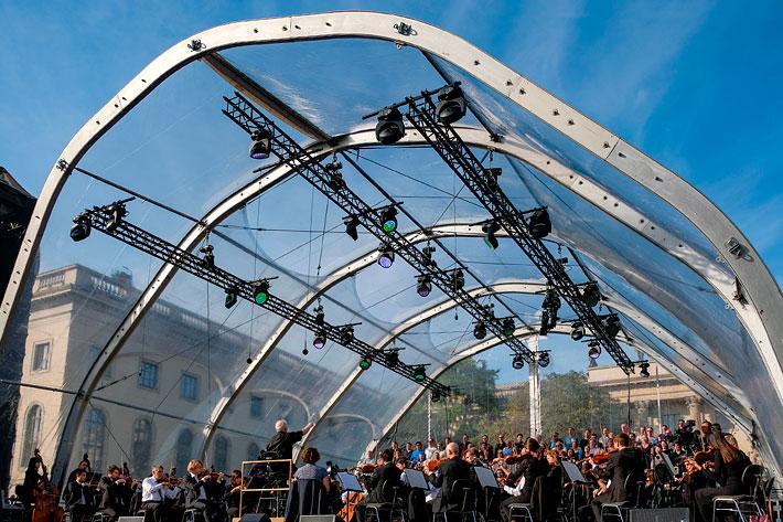 Staatsoper für alle 2017: Frontalansicht der Bühne während des Konzerts.